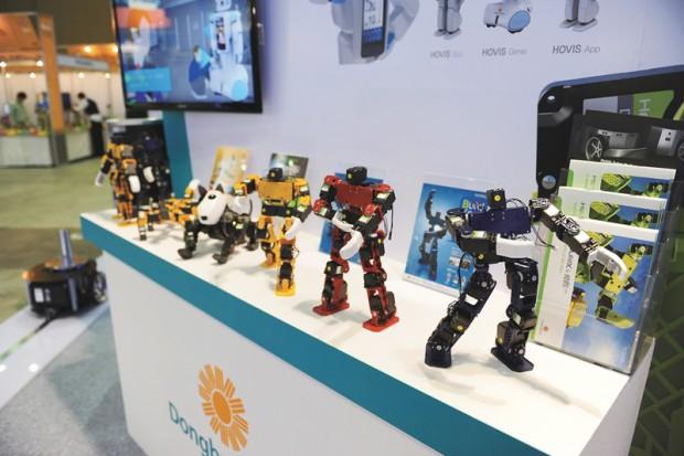 10hotrobot005