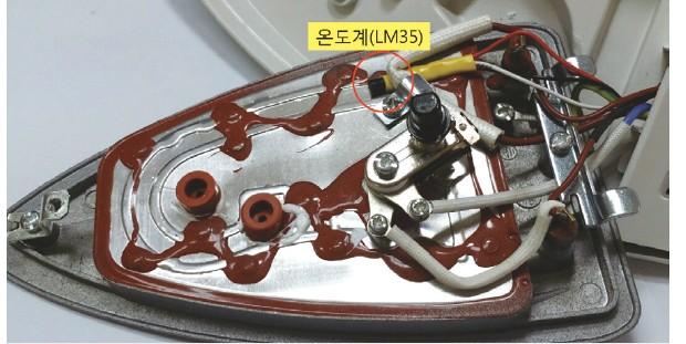 그림 4. 다리미 히팅 판넬에 온도계를 부착한 모습