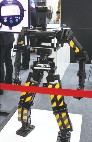 51 hot robotworld (5)